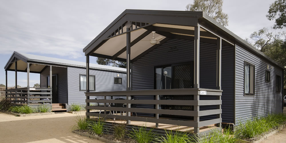 Deluxe Cabins at Kingston on Murray Caravan park